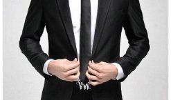 Costume noir, ce grand classique qu'il faut avoir dans son dressing